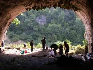 Dzudzuana Cave